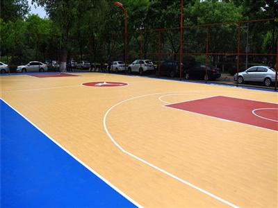 山西省太原市政府绿草地仿生木纹型硅PU篮球场0.jpg